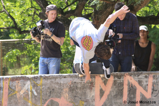 Josh Borden - BS Nose Pick - Bowl do Marinha - Foto Josué Menezes